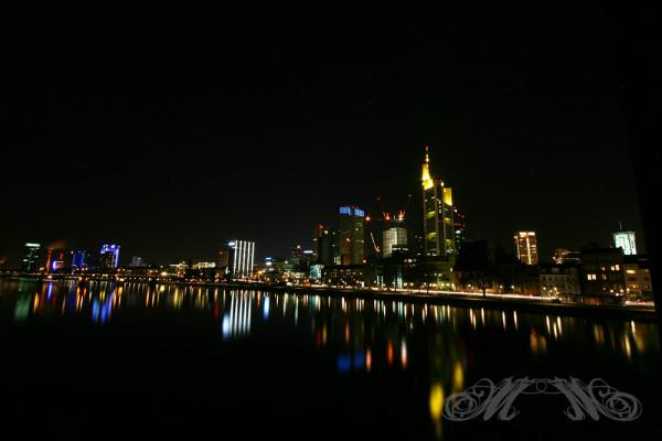 Frankfurter Skyline bei Nacht (Januar 2013)