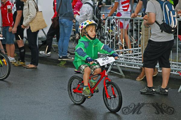 Wiesbaden Mountainbike Marathon 2014 - Jüngster Fahrer beim Kids Race (4 Jahre)
