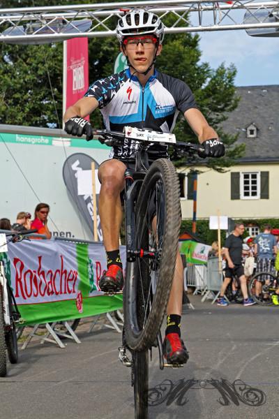 Wiesbaden Mountainbike Marathon 2014 - Stunt für den Fotografen